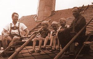 historisches Foto: Hartensteins auf dem Dach